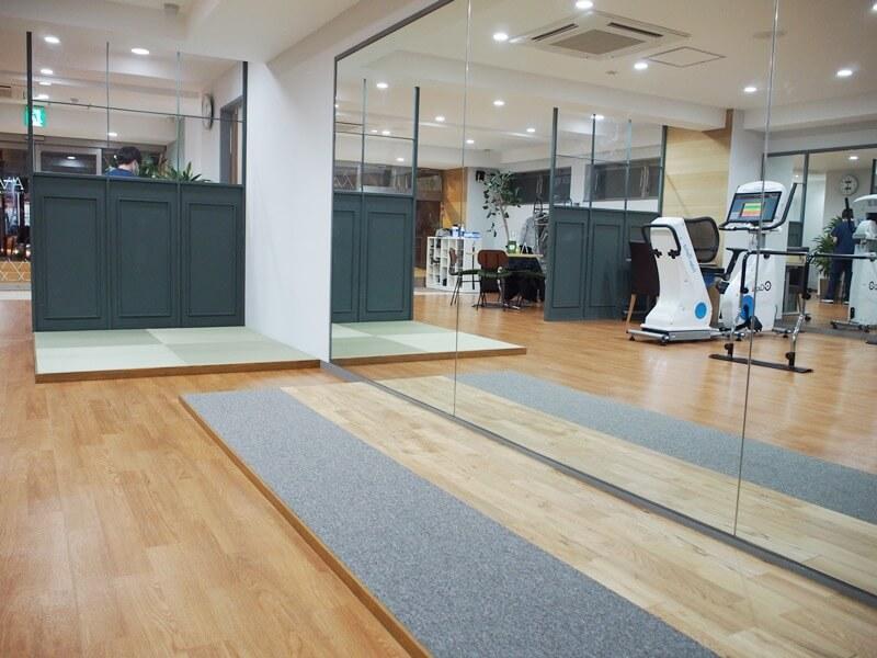 歩行訓練用の床