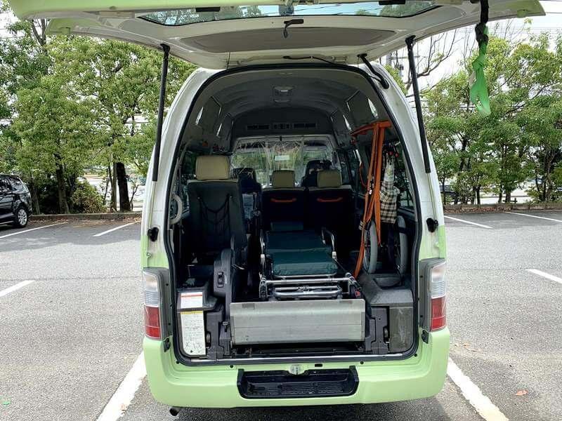 介護車両内部